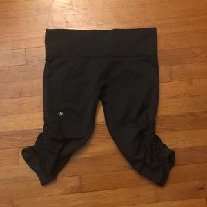Lululemon Athletica cropped leggings